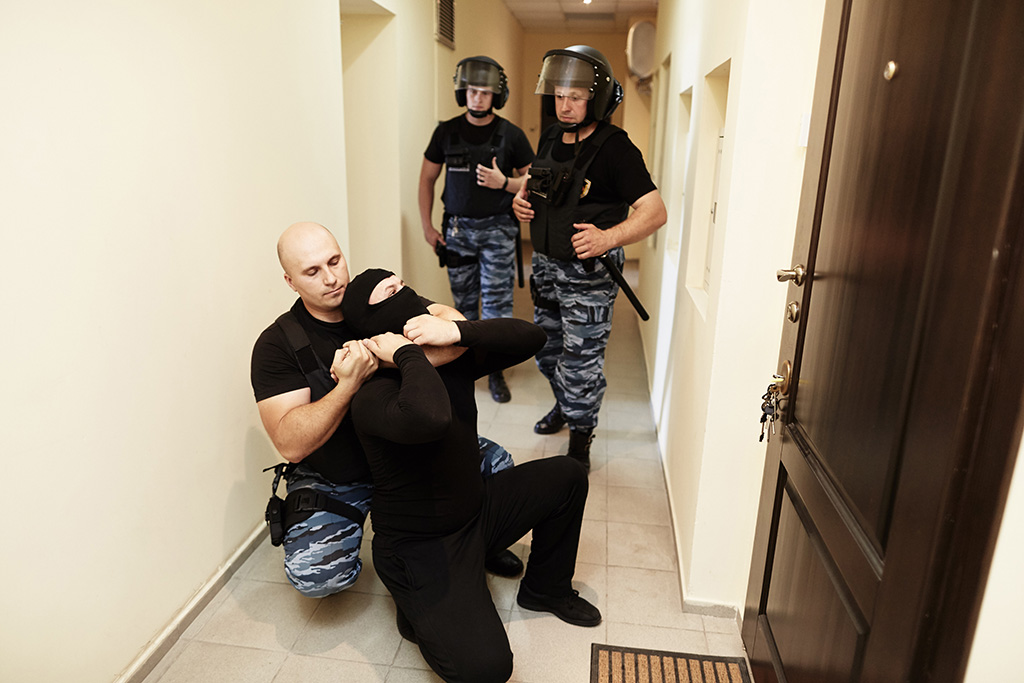 Охрана и безопасность охранное агентство в Харькове, Киеве Охрана квартиры и дома, сигнализация